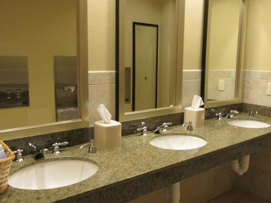 Hilton Garden Inn Arlington/Shirlington: BR near dining/conference area...very clean.