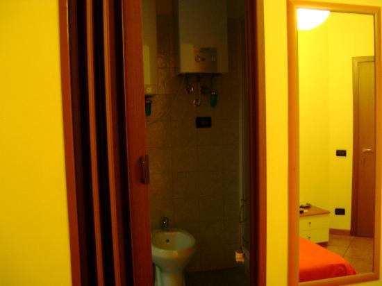 I Mulini a Vento B&B: ingresso bagno