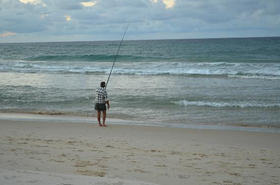 La Costa Motel: Fishing on Bilinga Beach