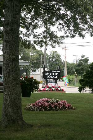Falmouth Heights Motor Lodge: Welcoming guests since 1969