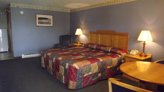 The Mariner Resort: King Room