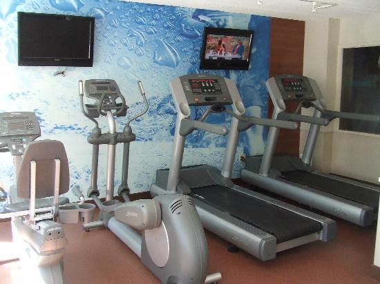 Bond Place Hotel: Mini Gym