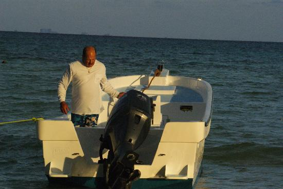 Fishing with Roberto Navarro : 26 ft with plenty of room