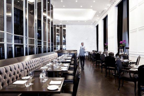 Stock Restaurant Bar Lounge Preparing For Dinner Service