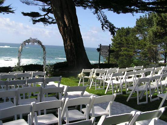 Agate Cove Inn Hotel : Perfect backdrop for your wedding
