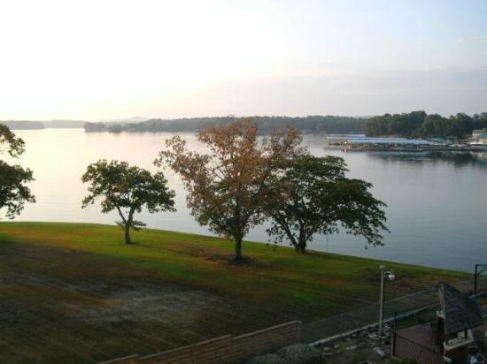Clarion Resort on the Lake: View of Lake Hamilton early in the morning from room balcony (5th floor facing east)