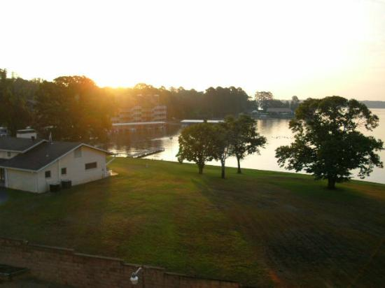 Clarion Resort on the Lake: View from room balcony of beautiful sunrise over Lake Hamilton.