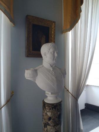 Villa San Gennariello b&b : This guy watched over us at breakfast