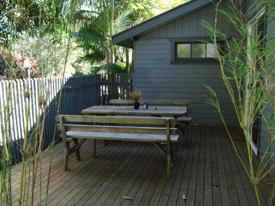 Grey Gum Lodge: room 4 deck