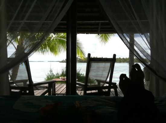 Vahine Island Resort: our view from bed, sighhhh....