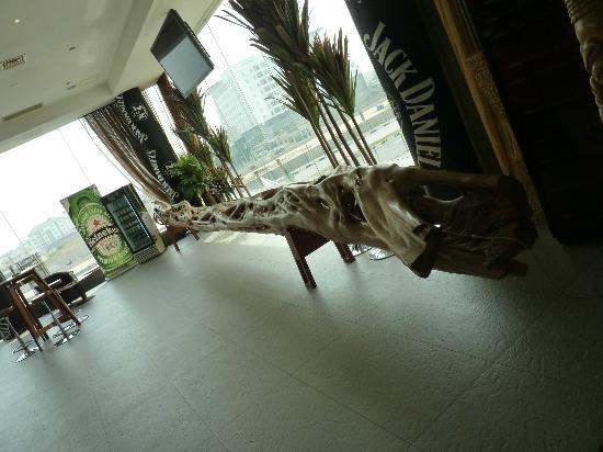 Lagos Oriental Hotel: African Bar