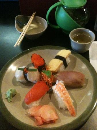 Blue Water Sushi: Nigiri Combo