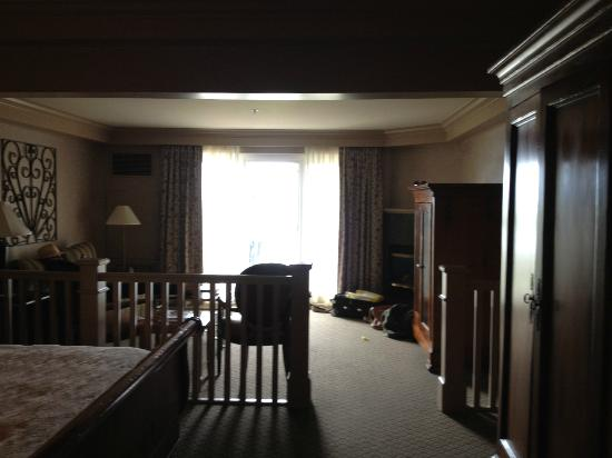 Hotel Bellwether: room w/ King bed and pull out sofa