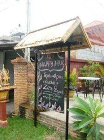The Kitchen Vang Vieng: Happy Hour