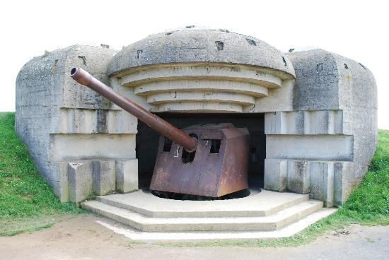 Colin McGarry Private normandy tour guide: Intact German gun battery at Longues