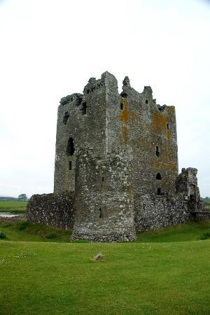 Threave Castle: The castle .....