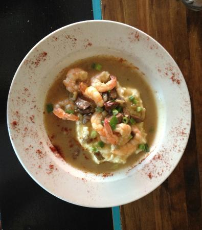 Amazing Shrimp and Grits at Local Republic