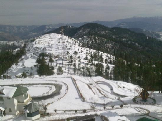 Kufri Ski Resort : Go-carting track in kufri