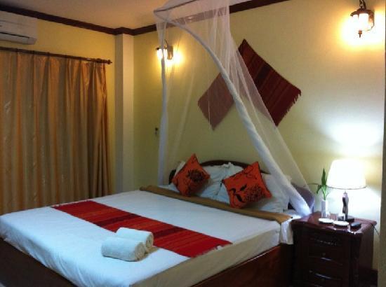 Khammany Inn II Hotel: Double room