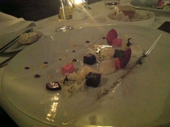 Restaurant Dartel: a beetroot tasting - done multiple ways.