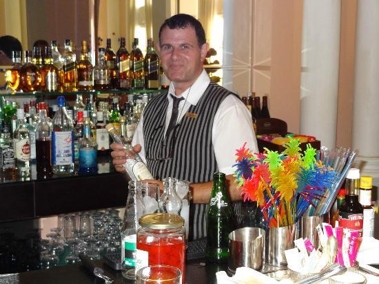 Kampi, Yunani: Yannis, the best barman of Zante