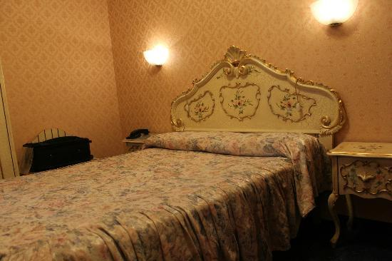 Hotel Diana: The largest bed they had