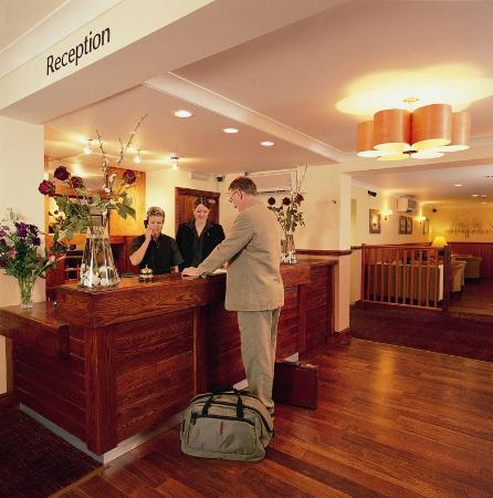 The Crown Lodge Hotel Restaurant: Reception