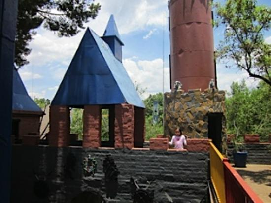 Misty Hills Country Hotel: Kids castle playground
