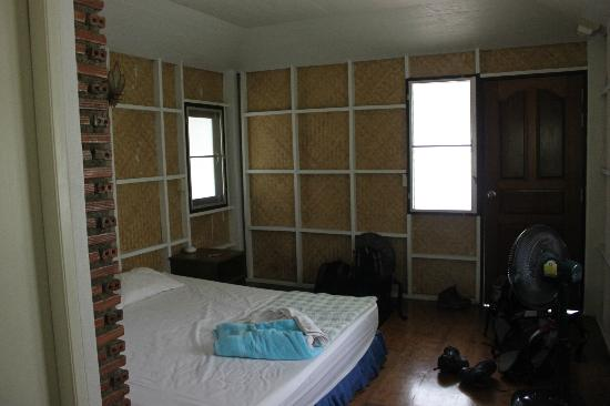 Chitanun Guest House: room