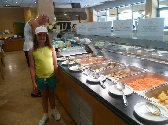 Hotel Mediterraneo Benidorm: food tastes great