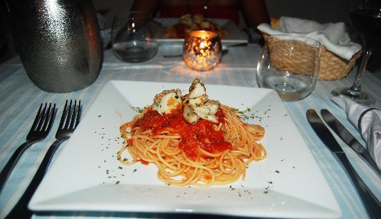 Posada La rosaleda: Spaghetti Al sugo con Pesce, meraviglioso!! 
