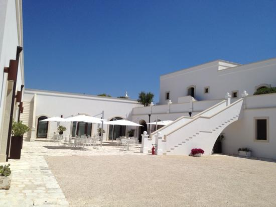 Masseria Bagnara Resort & Spa: Courtyard