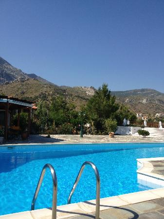 Pleiades Apartments : Pool area