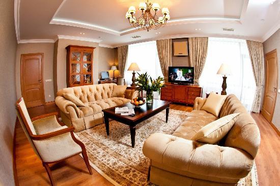 Karaganda, Kazajistán: filename__suite 1 гостевая комната - suite 1 guest hall_jpg_thumbnail0_jpg