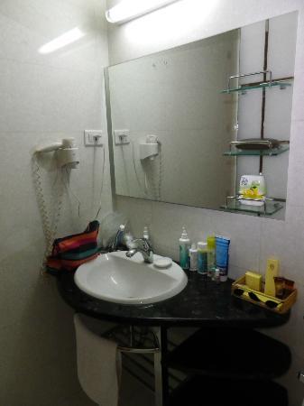 Le Duy Hotel: salle de bain