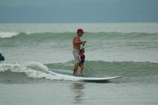 Agua Vida Surf: Sup Surf 3 to 5 days camps in Pavones area.
