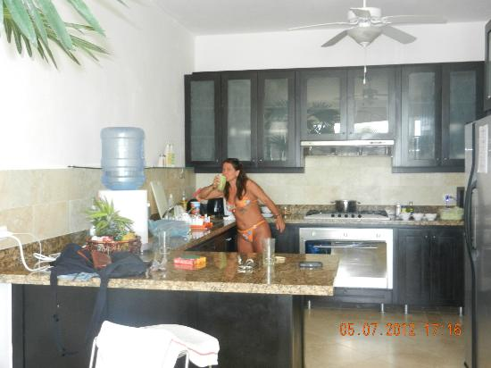 Beach Palace Cabarete: kitchen