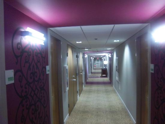 Holiday Inn Downtown Superdome : Hallways are now briight and cheerful