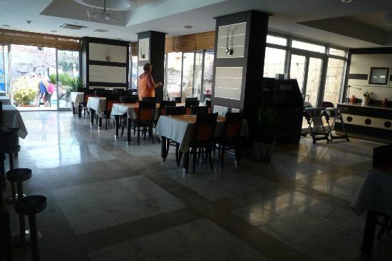 Lavitas Hotel: restaurant