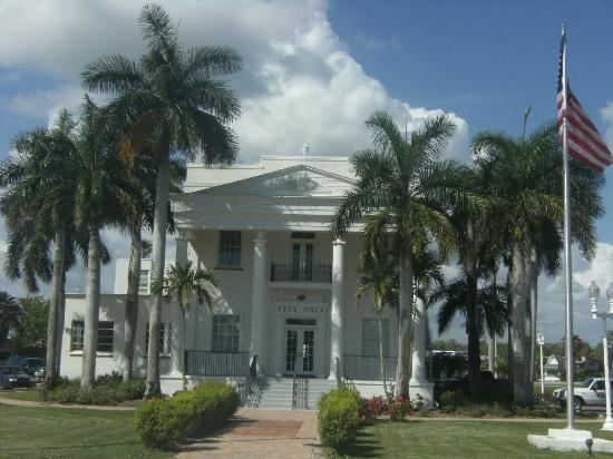 Museum of the Everglades: City Hall