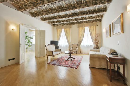 Hotel Residence Retezova : Royal Suite Rome
