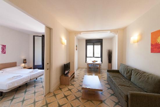 Casa 125 Barcelona: Saloon