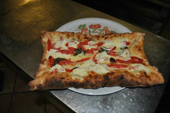 Pizzeria Ristorante Galante Tutino: Pizza Lavezzi