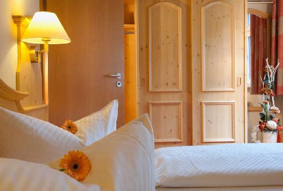 "Kurpark- FLAIR - Hotel ""Im Ilsetal"": Suite-de Luxe, Schlafzimmer"