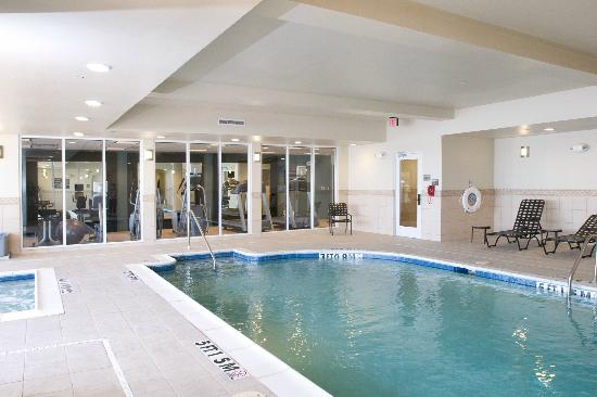 Hilton Garden Inn Granbury: Pool