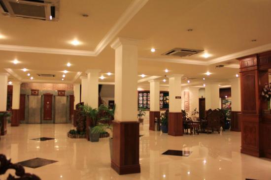 โรงแรมซิตี้ อังกอร์: グランドフロア