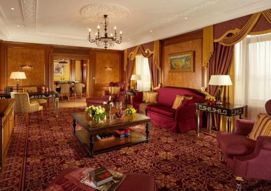 Fairmont Grand Hotel Kyiv: Presidential Suite guestroom