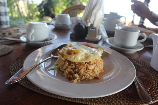 Adirama Beach Hotel: fried rice