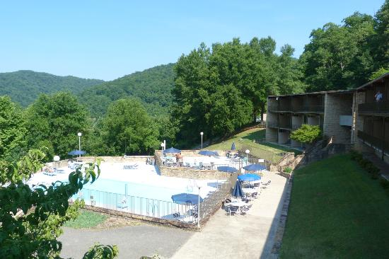 Buckhorn Lake State Resort: The Pool