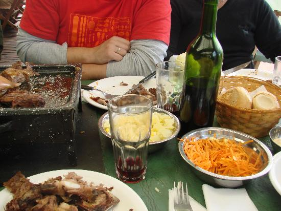 La casona de Tomás Jofré : Parte de la comida